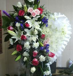 Eternal Elegance Heart (fresh flowers) in Pell City AL, Pell City Flower & Gift Shop