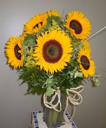 Sunflowers Arranged in Glass Vase in Utica NY, Chester's Flower Shop And Greenhouses