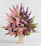 The Flowing Garden Arrangement dans Watertown CT, Agnew Florist
