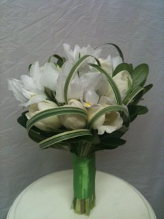 White on White  in Chelsea, Michigan, Gigi's Flowers & Gifts