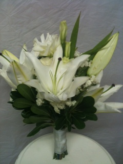 White Hand tied  in Chelsea, Michigan, Gigi's Flowers & Gifts