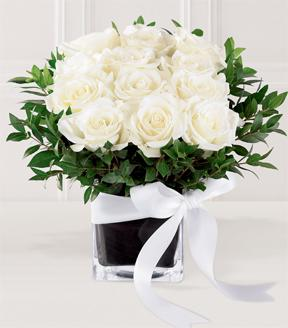 The FTD� Pure Romance� Rose Bouquet in Highlands Ranch CO, TD Florist Designs