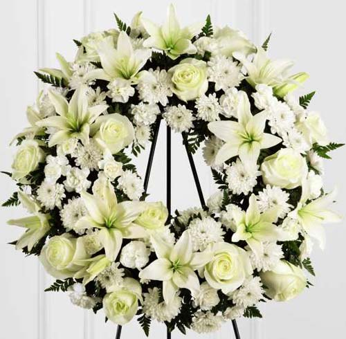 FTD� Treasured Tribute� Wreath in Nationwide MI, Wesley Berry Florist, Inc.