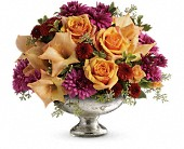 Teleflora's Elegant Traditions Centerpiece in Harlan KY, Coming Up Roses