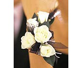 5 White Mini Roses Wristlet in Orlando FL, Harry's Famous Flowers
