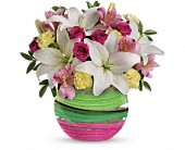 Teleflora's Paint It Pastel Bouquet in Bellevue WA, Bellevue Crossroads Florist