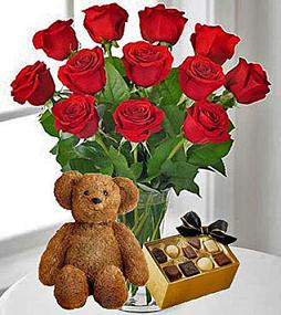 MELT HER HEART PACKAGE 2 in Vienna VA, Vienna Florist & Gifts