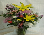 Bellmore Flowers - ADMINISTRATIVE DAY FLOWERS - Petite Florist