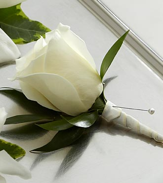 The FTD� White Rose Boutonniere in Highlands Ranch CO, TD Florist Designs