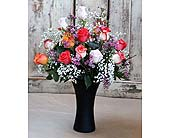 18 Roses with Vase<br><b><font color=red>Special</font></b> in Kingston ON, Pam's Flower Garden