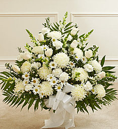 Traditional White in East Amherst NY, American Beauty Florists