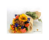 Burlap Blooms 'Let the Sunshine in' in Arlington Heights IL, Sylvia's - Amlings Flowers