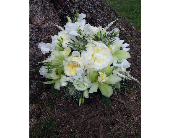 Green and White Botanical Mix in Hilliard, Ohio, Hilliard Floral Design