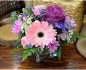 Your So Pretty in Oakville ON, Margo's Flowers & Gift Shoppe
