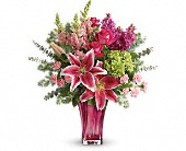 Teleflora's Steal The Spotlight Bouquet in Knoxville TN, Petree's Flowers, Inc.