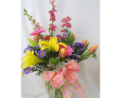 Spring Showoff! in Saratoga Springs NY, Dehn's Flowers & Greenhouses, Inc