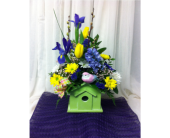 Country Bird House Bouquet/ Cabane d'oiseau en fle in Grand-Sault/Grand Falls NB, Centre Floral de Grand-Sault Ltee