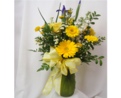 Yellow Delight Bouquet in Saratoga Springs NY, Dehn's Flowers & Greenhouses, Inc