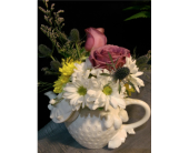 M & W's Tea Time Upgrade in Chatham VA, M & W Flower Shop