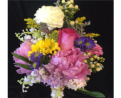 Sample Bouquet in Wynantskill, New York, Worthington Flowers & Greenhouse