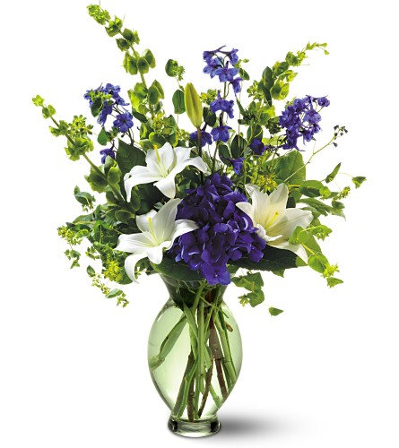 Teleflora's Green Inspiration Bouquet in Bakersfield CA, White Oaks Florist
