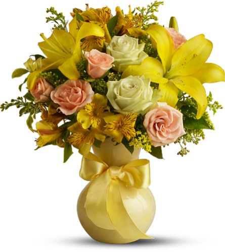 Teleflora's Sunny Smiles in Manassas VA, Flower Gallery Of Virginia