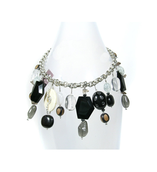 Quorum Necklace Black in Arlington Heights IL, Sylvia's - Amlings Flowers