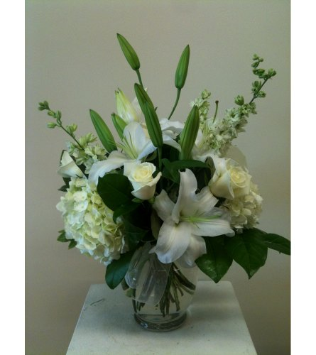 Creamy Vanilla Ginger Vase in Naples FL, Gene's 5th Ave Florist