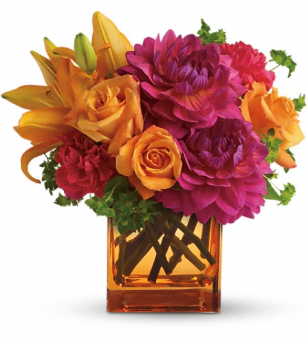 Teleflora's Summer Chic in Bellevue WA, Lawrence The Florist