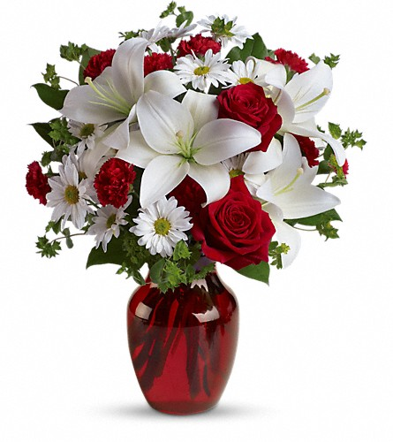 Be My Love Bouquet with Red Roses in Garden City NY, Hengstenberg's Florist Inc.