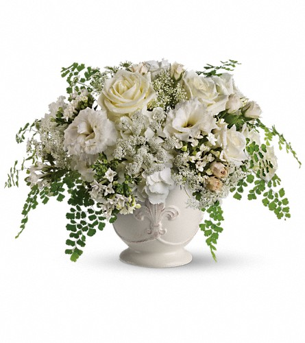 Teleflora's Napa Valley Centerpiece in Amherst NY, The Trillium's Courtyard Florist