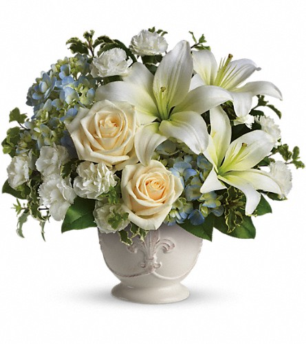 Beautiful Dreams by Teleflora in Kailua Kona HI, Kona Flower Shoppe
