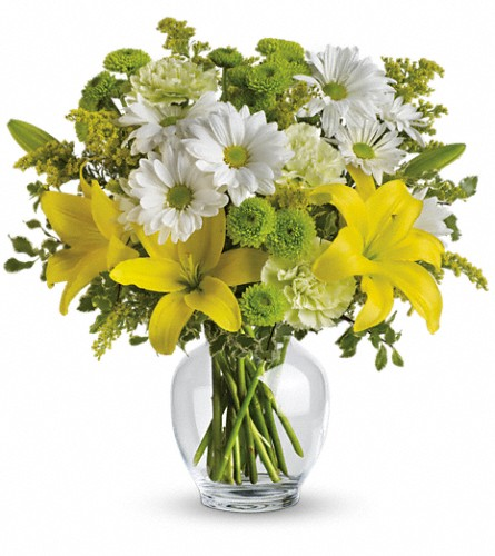Teleflora's Brightly Blooming in Leavenworth KS, Leavenworth Floral And Gifts