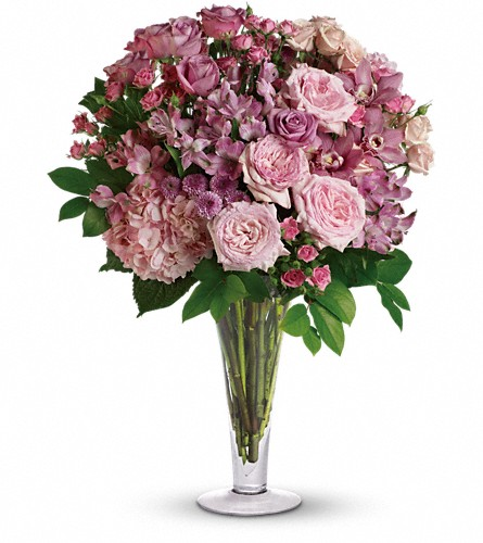 A La Mode Bouquet with Long Stemmed Roses in Metairie LA, Villere's Florist