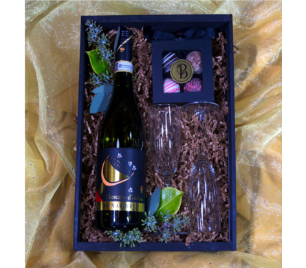 Bee Classy Champagne Crate in Reno NV, Bumblebee Blooms Flower Boutique