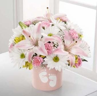 FTD Sweet Dreams Bouquet - Girl in Fond Du Lac WI - Haentze Floral Co