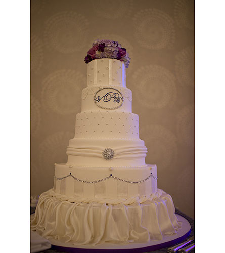 wedding cake in canandaigua ny flowers by stella. Black Bedroom Furniture Sets. Home Design Ideas