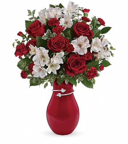 Teleflora's Pair Of Hearts Bouquet in Havre De Grace MD, Amanda's Florist