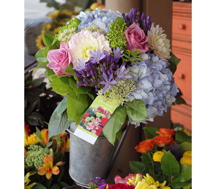 Hand-Tied Bouquet in Aurora ON, Caruso & Company
