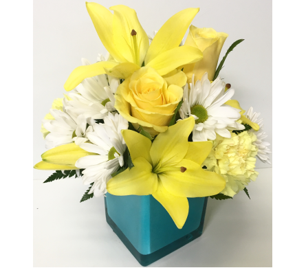 4x4 Aqua Cube with Yellow & White - All-Around in Wyoming MI, Wyoming Stuyvesant Floral