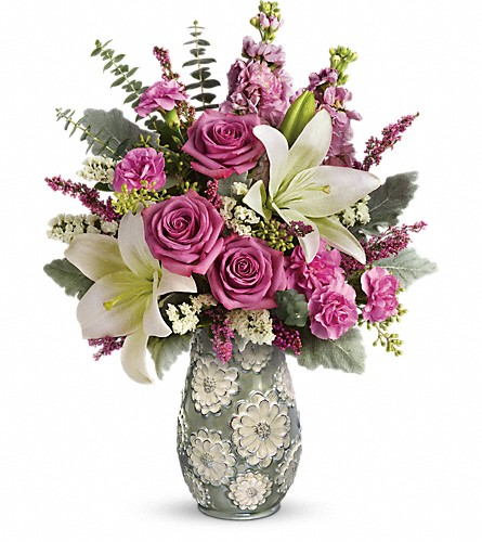 Teleflora's Blooming Spring Bouquet in Roanoke VA, Blumen Haus - Dove Florist