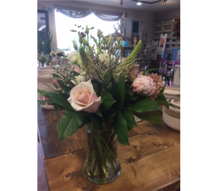In Season in Niagara On The Lake ON, Van Noort Florists