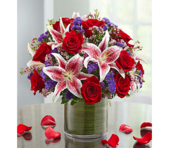 Be Mine� in Lindenhurst NY, Evergreen Florist