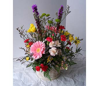 Summer Blooms Basket in Muskegon MI, Wasserman's Flower Shop