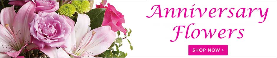 Send Anniversary Flowers to Guelph, ON with Patti's Flower Boutique, your florists